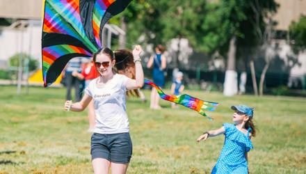 Фестиваль воздушных змеев украсил небо в Гомеле (фото)