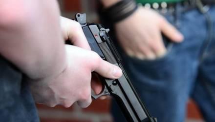 Дерзкий налёт в Гомеле: парочка грабителей ворвалась в магазин и похитила деньги