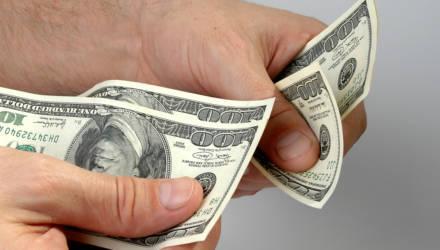 Упадет ли доллар до двух рублей и ниже и что будет с белорусским рублем в июле