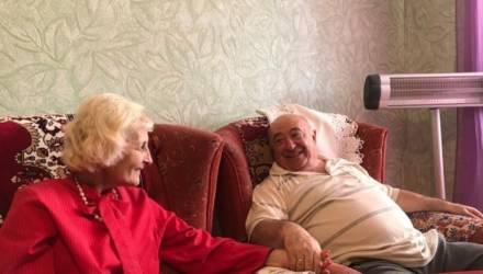 СМИ показали, как живут родители Зеленского