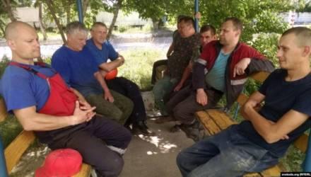 «Хуже, чем сейчас — не было». Рабочие «Гомельпромстроя» сидят без зарплаты и пишут в прокуратуру
