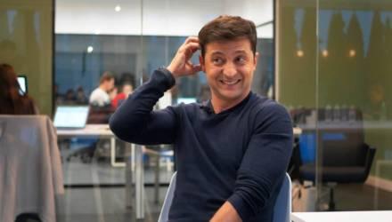 СМИ узнали, какую зарплату получил Зеленский за первый месяц на посту президента Украины