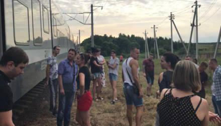 «Штадлер» Гомель – Минск больше четырех часов простоял с пассажирами внутри