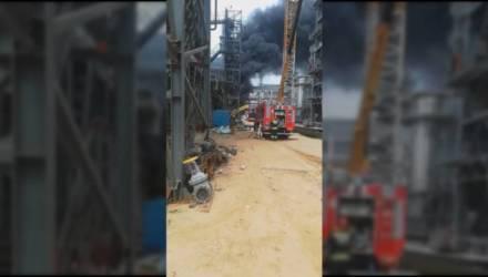 Видеофакт: в Мозыре на нефтеперерабатывающем заводе произошло возгорание
