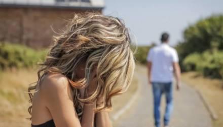 «Вы даже не успеете понять, как любимый человек исчез из вашей жизни». 5 вещей, которые убивают любовь