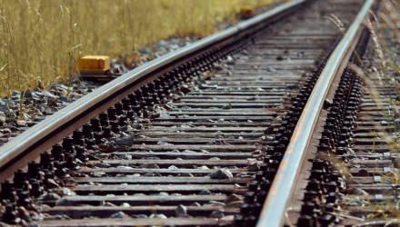 Под Гомелем мужчина в наушниках получил тяжелые травмы вблизи железной дороги – подробности