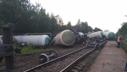 Утечку газа ликвидировали, дачников эвакуировали. Опубликовано видео с места крушения грузового поезда под Витебском