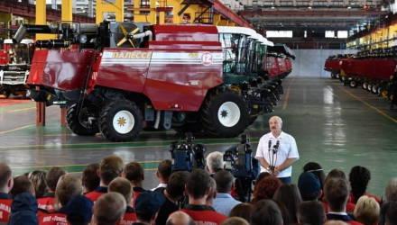 """На """"Гомсельмаше"""" занимались приписками, заявил Лукашенко"""