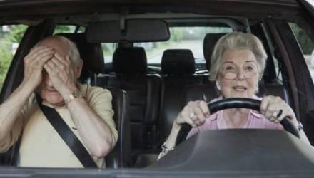 «Водитель не может сидеть за рулем автобуса в 70 лет». Чиновник и депутаты — о пенсионном возрасте