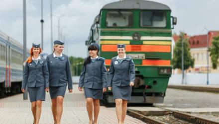 Лучшая молодёжная бригада Белорусской железной дороги работает в поезде Полоцк — Гомель