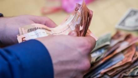 В Гомеле чистильщику платят от 1 000 рублей. А кого ещё зовут на такие зарплаты?