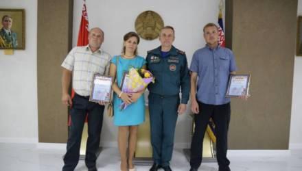 В Гомеле наградили очевидцев, спасших людей на пожарах