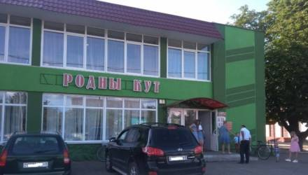 На свадьбе в Кобринском районе убили мужчину, отец невесты в реанимации