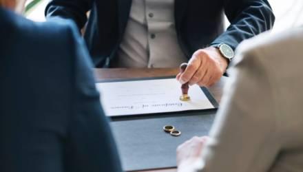 В Беларуси распадается больше половины браков. Количество разводов за год выросло больше чем на 10%