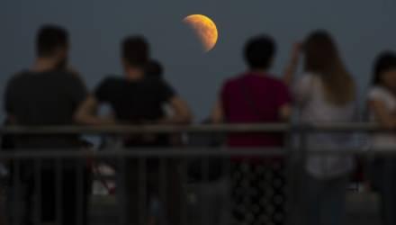 Гомельчане этой ночью смогут наблюдать лунное затмение. Или нет