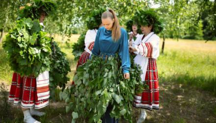 «Вы просили дождь?» Как в Чечерском районе Гомельщины местные жители призывают урожайную погоду