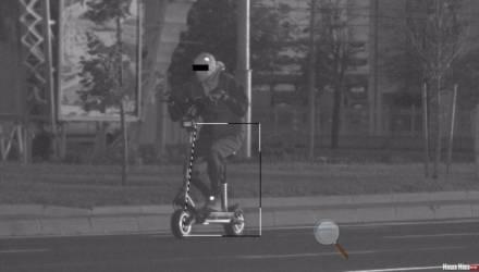 Белорус мчался на электросамокате со скоростью 75 км/ч. В ГАИ задумались над изменением правил