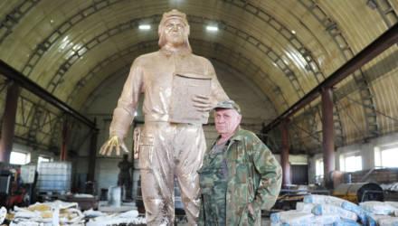 Как создавался и устанавливался памятный знак братьям Лизюковым в Гомеле