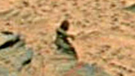 Марсоход NASA снял странные кадры, на которых можно увидеть силуэты инопланетян