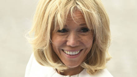 Жена президента Франции сделала омолаживающую операцию