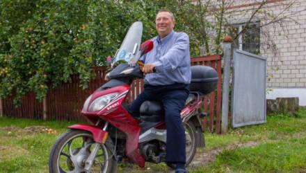 Все были в шоке и в восторге: врач из Ельска объехал пол-России на мопеде