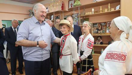 Лукашенко признался, что второй раз за неделю попал в рай