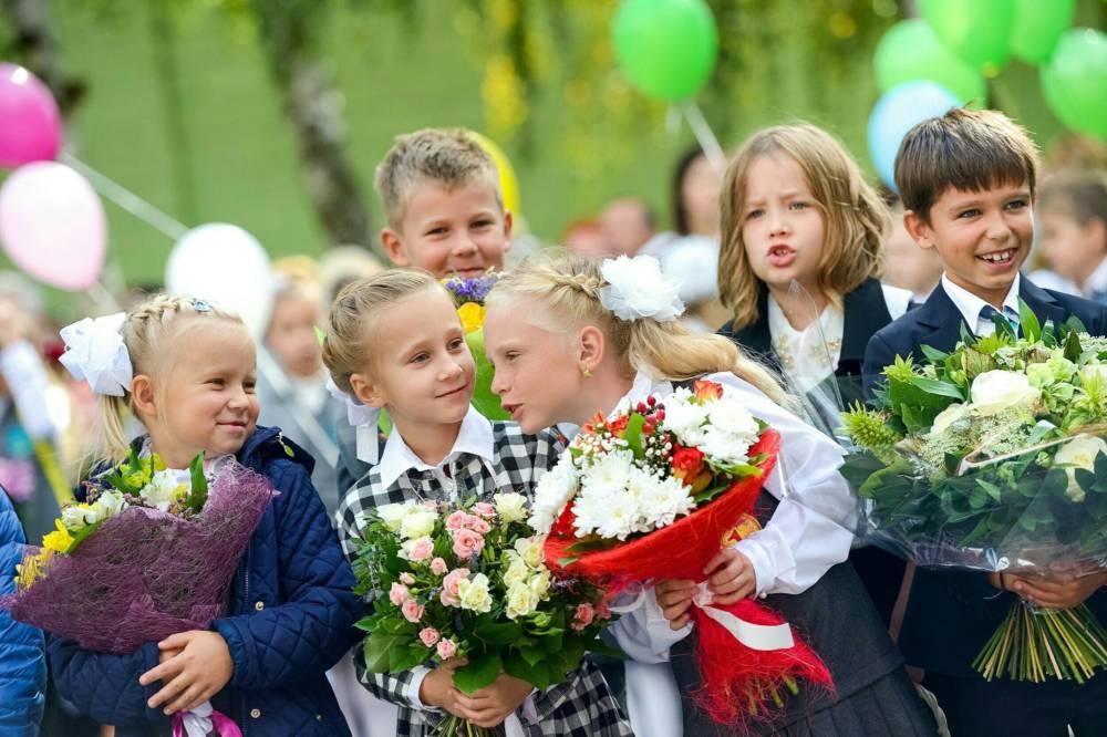 Букеты на день знаний 1 сентября во 2 классе, розы оптом дешево