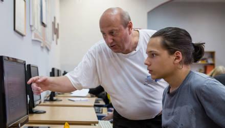 Первый наставник шестикратного победителя чемпионатов мира по программированию по-прежнему живет в Гомеле и готовит будущих гениев
