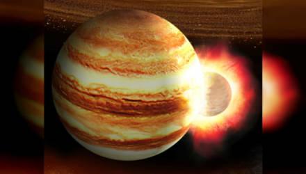 """Юпитер """"проглотил"""" соседнюю планету и чуть не лопнул"""