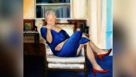 СМИ: В особняке Эпштейна нашли портрет Билла Клинтона в платье и туфлях