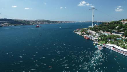 Как переплыть Босфор? Гомельчане рассказали о безумно популярном заплыве в Стамбуле, где билеты раскупают за считанные минуты