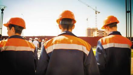 Гомельским строителям урежут зарплаты, с несогласными расторгнут трудовые договоры