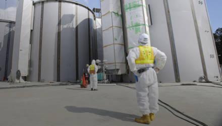 """Двойной Чернобыль. Миллион тонн заражённой воды с """"Фукусимы"""" могут слить в океан"""