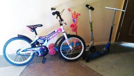 Суд не стал штрафовать жильцов дома в Гомеле за оставленный на лестничной площадке велосипед