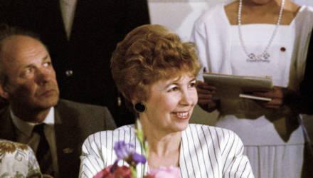 Первая леди СССР: почему она раздражала женщин и как продвигала драник