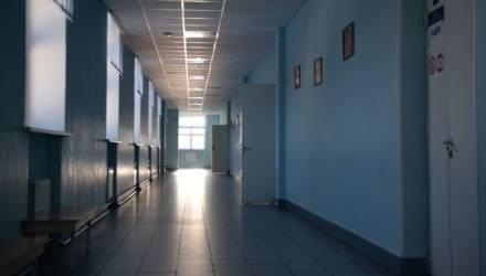 Завуча судили за смерть школьницы от истощения