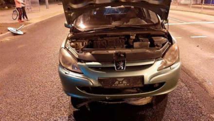 """В Гомеле водитель повредил авто на дороге и получил штраф. ГАИ: """"Сам виноват"""""""