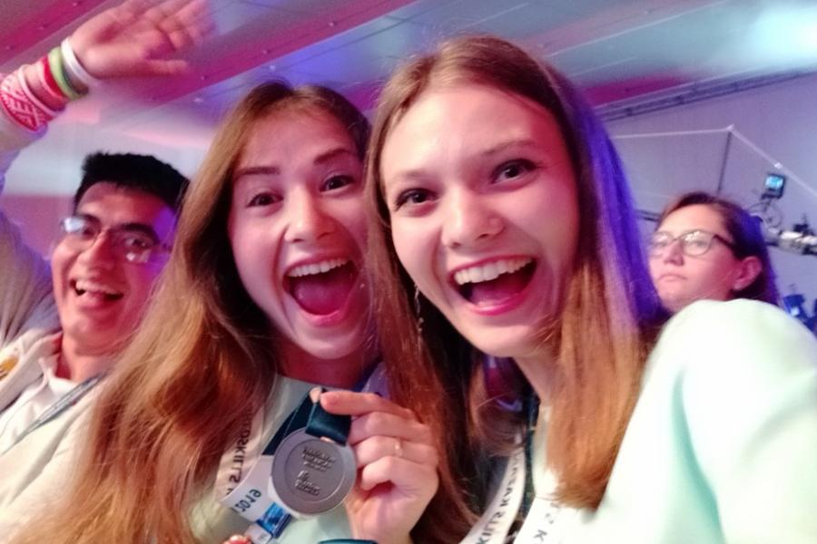 Команда девушек-проектировщиц из Гомеля завоевала серебро международного чемпионата WorldSkills International