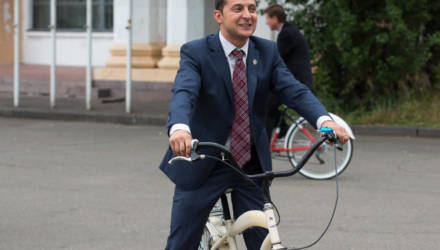Лукашенко не ездит на велосипеде из-за Зеленского