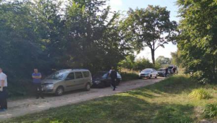 Жестокое убийство потрясло Гомельщину. Пьяный мужчина привёл осиротевшего мальчика на ж/д станцию, сел в поезд и уехал