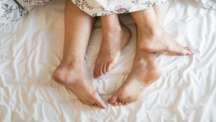 «Видите друг друга голыми не только перед сексом». Молодые пары — о начале совместного быта