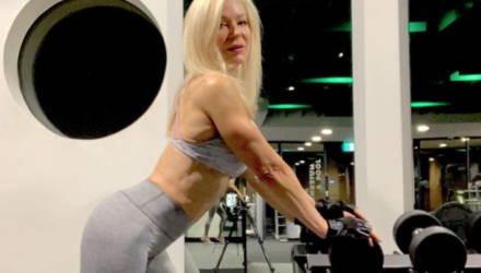 Бабушка шокирует своим возрастом, тренируясь 5 раз в неделю ради красивого тела