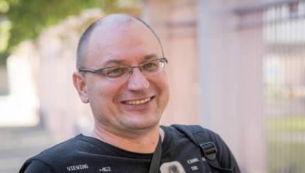 Белорус, к которому ворвался ОМОН, выиграл суд — ему должны выплатить из бюджета более 2800 рублей