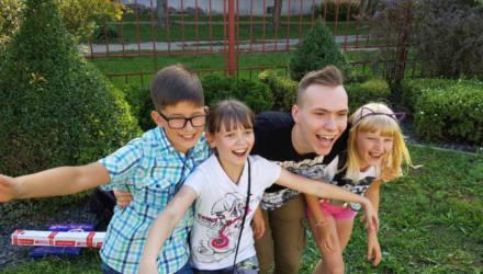 А ваш ребёнок лайкер? Светлогорский тинейджер набрал 280 тысяч подписчиков в популярной соцсети