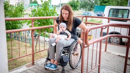Поломалась, но не сломалась. Как колясочница из Гомеля убедила всех, что она может и должна родить