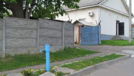 Пенсионерке из Чечерского района выставили счет на холодную воду из колонки в 150 рублей