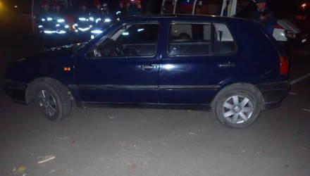 Спасатели пришли на помощь мужчине, которого зажало под автомобилем на парковке в Гомеле