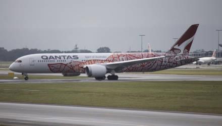 Лайнер с пассажирами был вынужден лететь почти 20 часов