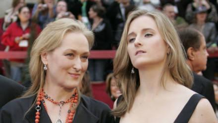 Дочки-матери: как выглядят дети известных красавиц