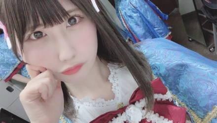 В Японии фанат напал на певицу. Он вычислил её адрес по отражению в зрачках и свету из окон на фото в соцсетях